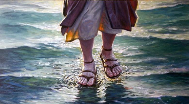 Resultado de imagen para jesus sobre las aguas