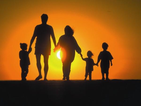 Resultado de imagen para iMAGENES DE LA FAMILIA CRISTIANA